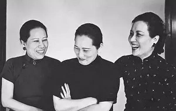 1940年,宋氏三姐妹在抗战期间的合影照.图片
