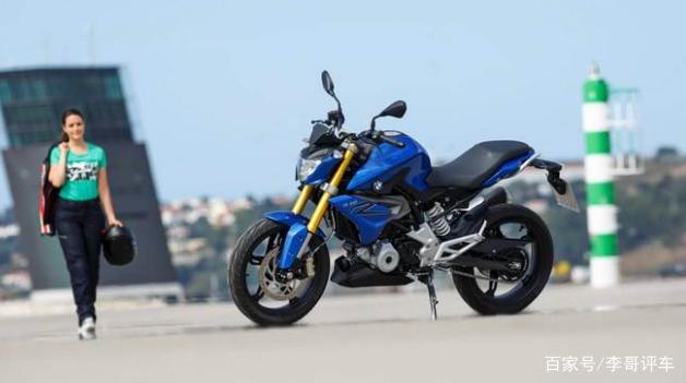 宝马强推高性能摩托车,单缸引擎媲美5系!川崎忍者300该买谁?