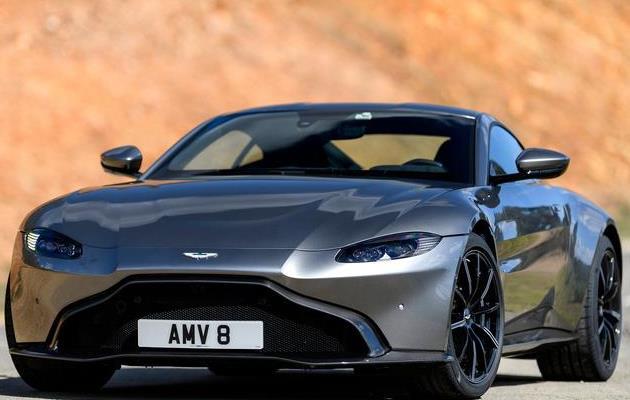 「超性感」Aston Martin Vantage Tungsten Silver (2019)