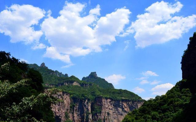 2% 热度指数:3.0颗星 新乡旅游:昆山隧道 宝泉水库: 用户评价评分4.
