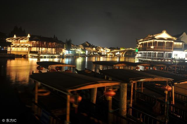 上海市朱家角古镇风景美丽,一起来欣赏一下这里的风景!