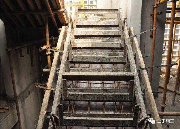 建筑楼梯模板施工没做好的,可以看看标准化做法,让你获益匪浅