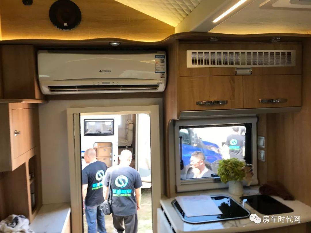 高端品质 畅享自由 戴德隆翠全新双拓展C型自由风房车上市