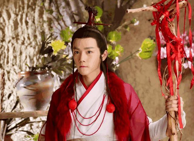 细心一看,这部电视剧的帅哥美女还真不少,除了男一号邓伦,发现男二号韩国电视剧还有的恋爱图片