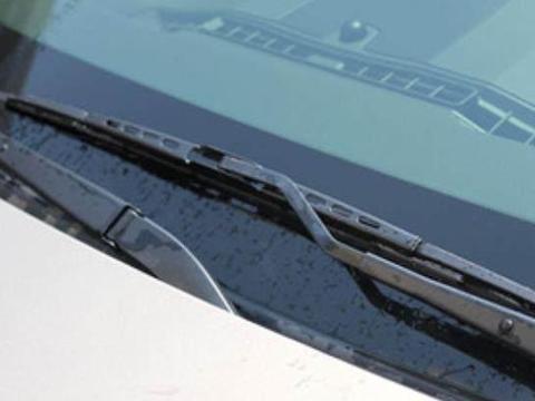 假如你车上还存在这4个快被淘汰的配置,那么说明你该换车了!