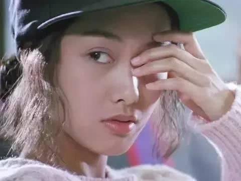 看看20年前朱茵林青霞港风穿搭,不仅不过时还可以引领时尚潮流图片