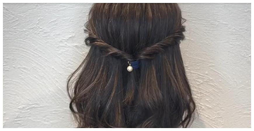 一种复杂的发型,适宜长发和中等发型的女孩,精致时兴图片