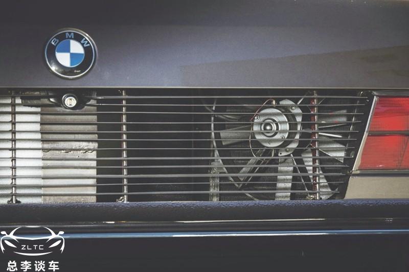 16缸宝马7系,全球有3辆,因发动机太大,散热器要放在后备箱