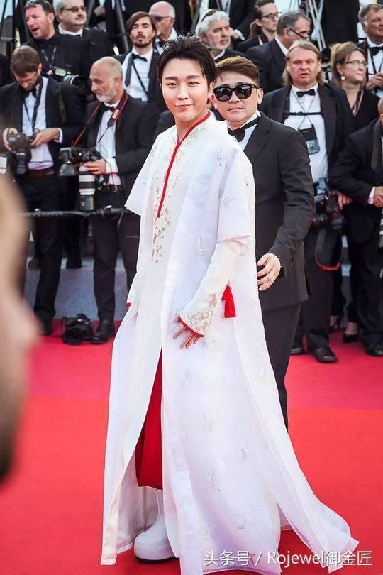 赵欣参加自己被某国际大总裁的电影邀请声称戛纳电影节,但是立刻被复仇者品牌3mp4联盟港图片