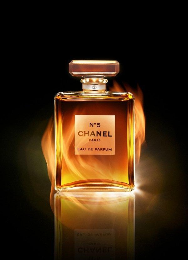 scent 26个香水瓶包装奢侈设计_新浪看点