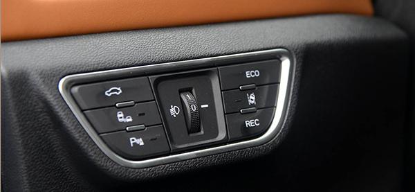 续航成最大短板 评众泰首款纯电动SUV T300EV