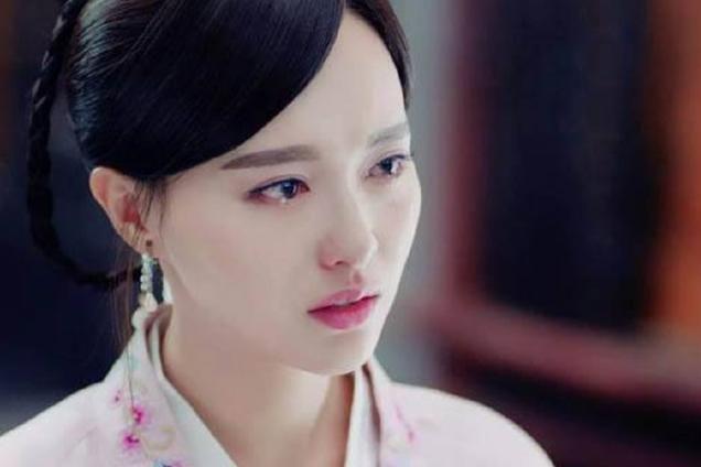 自从看了《锦绣未央》被唐嫣圈粉,剧中的她是一个坚强的女子,一流泪