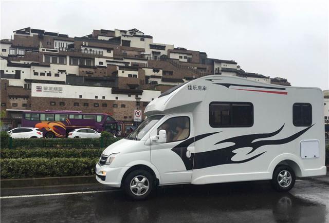 推荐丨6人舒适乘坐,佳乐大通自行式C型房车完美呈现!