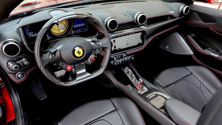 汽车: 法拉利波托菲诺是一款可转换的GT, 结合了超级跑车的性能!