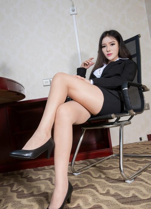 日本美媚激情开放_日本办公室美女这身打扮, 让男同事目不转睛