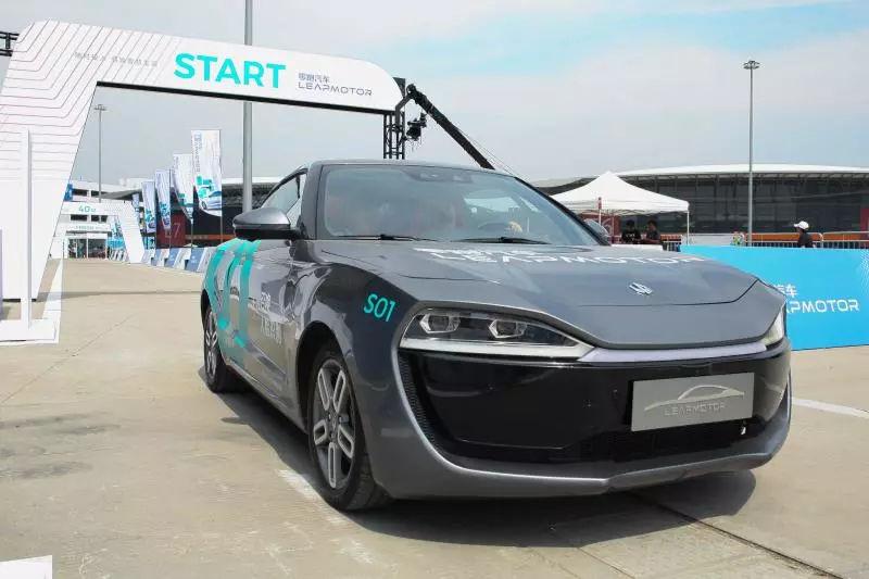 车型量产前,这家叫零跑的新造车公司发布了国产AI自动驾驶芯片 汽车殿堂