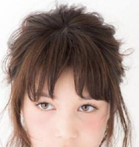 短发女生也可以美丽和可爱,六款短头发扎法,减龄时尚更清爽
