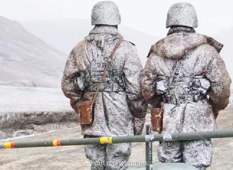 传说中的背影杀中国军人的背影是行走的艺术