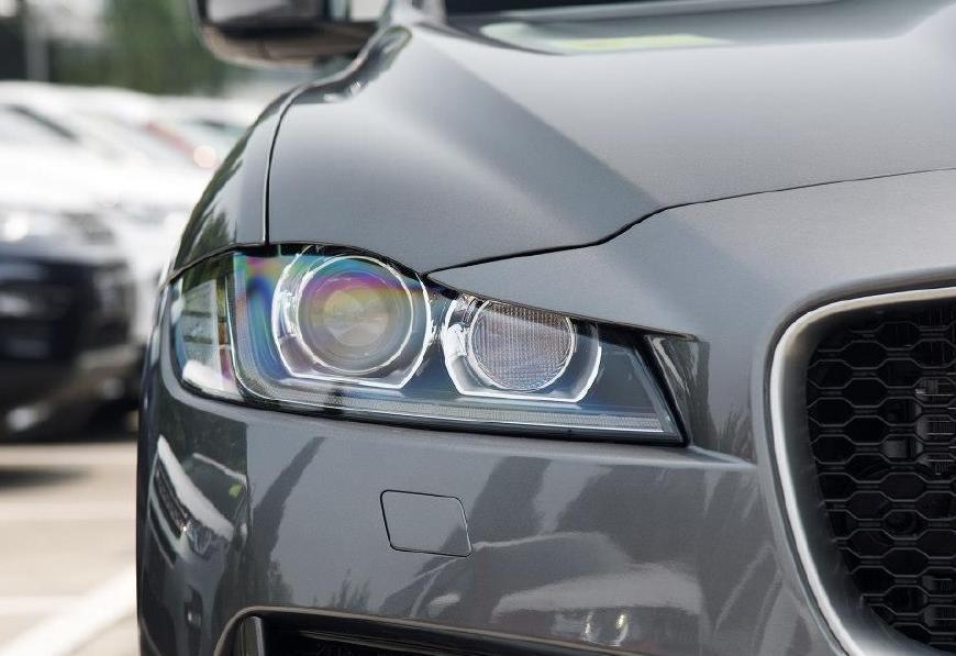 别老盯着宝马奥迪看了, 这进口SUV性能可叫板保时捷, 优惠达18万