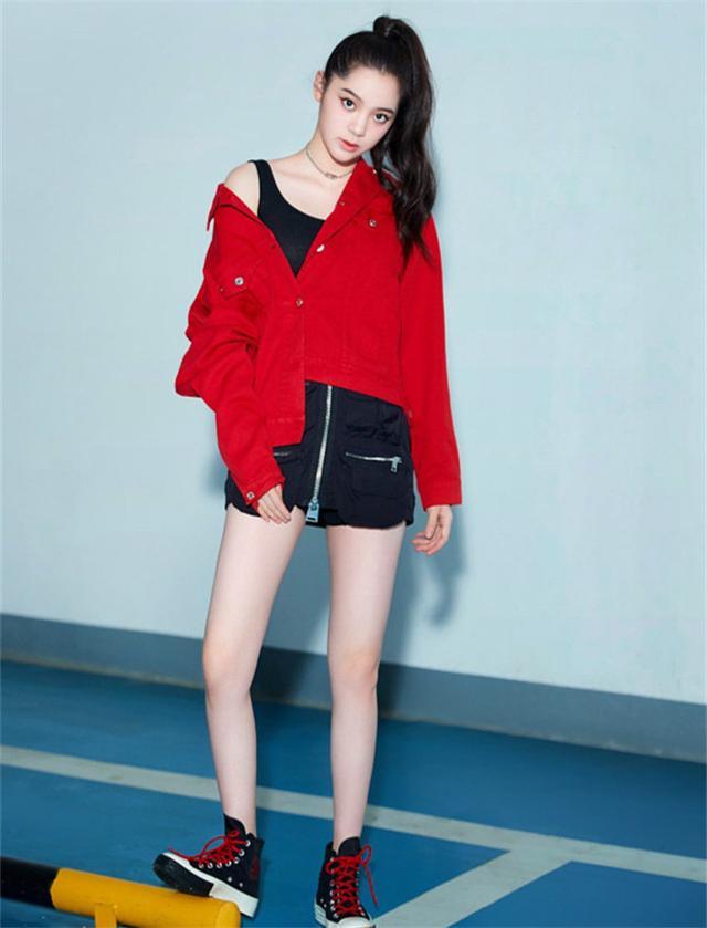 欧阳娜娜酷爱红色?三个红衣造型很抢眼,网友:气质不够图片