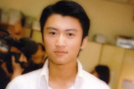 《中国好声音》四位导师年轻照片,个个青涩,你觉得谁最帅?