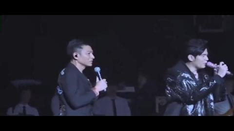 刘德华惊喜助阵周杰伦演唱会 两大偶像上演跨世纪合作