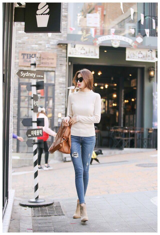 時尚街拍,牛仔褲穿出來帥氣的感覺,彰顯美女們的美麗身姿!