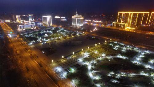 兰考主要旅游景点有焦裕禄纪念园,黄河湾风景区,焦桐五彩园,刘岘纪念
