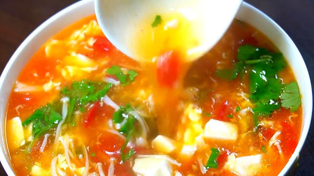天气越来越冷,最适合来碗番茄豆腐汤啦
