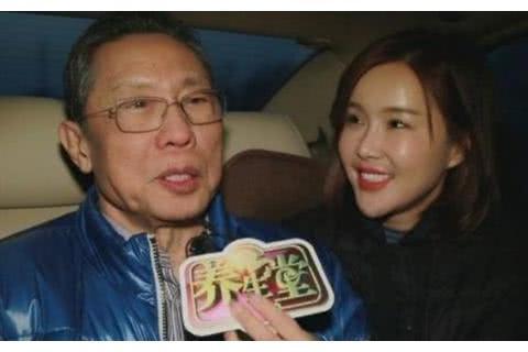 采访钟南山的主持人杨雅淇被骂,停更微博,删除千条网络评论