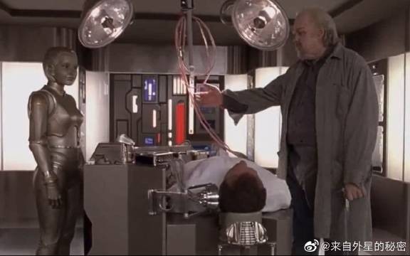 机器人爱上人类,为自己输入血液,并设置生命界限!