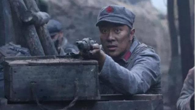 """刘湘视他为""""卧龙凤雏"""",行军打仗靠算卦,遇到红军原形毕露"""