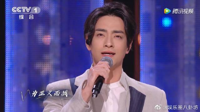 郑云龙再唱经典作品《不会成真的梦》,音乐剧王子电力十足