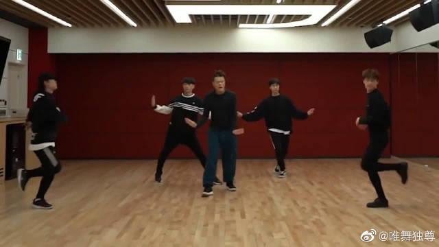 JYP新曲《Fever》练习室舞蹈版公开,这舞蹈你真的不想学吗?