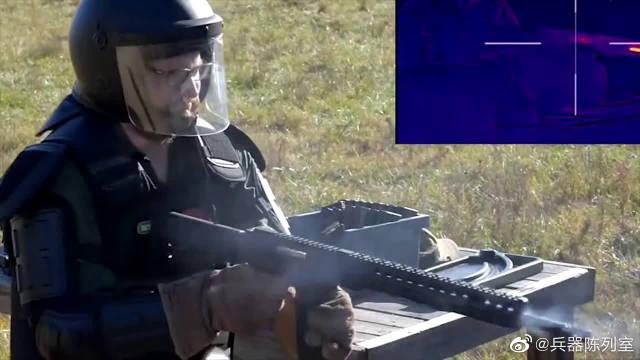 军迷基地:M4卡宾枪极限射击测试,枪管通红冒烟像是快融化了