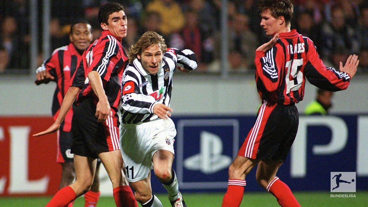 上一次@拜耳勒沃库森 与尤文图斯交手是在2001/02赛季欧冠联赛的小组