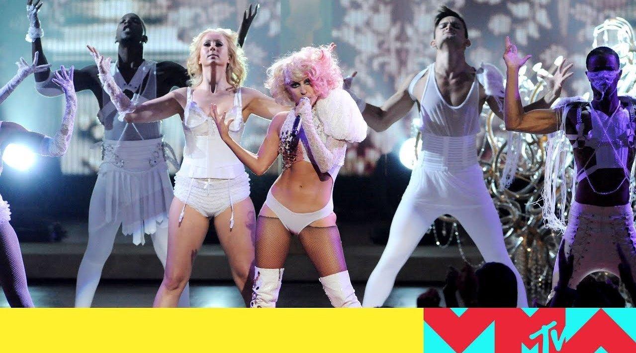"Lady Gaga ""Poker Face / Paparazzi"" (2009年MTV音乐录影带大奖表演)"