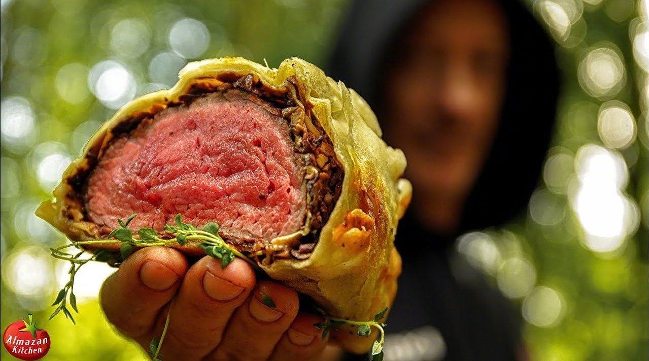 香喷喷的篝火烤肉惠灵顿了解一下。在森林里就地捡木头生起火