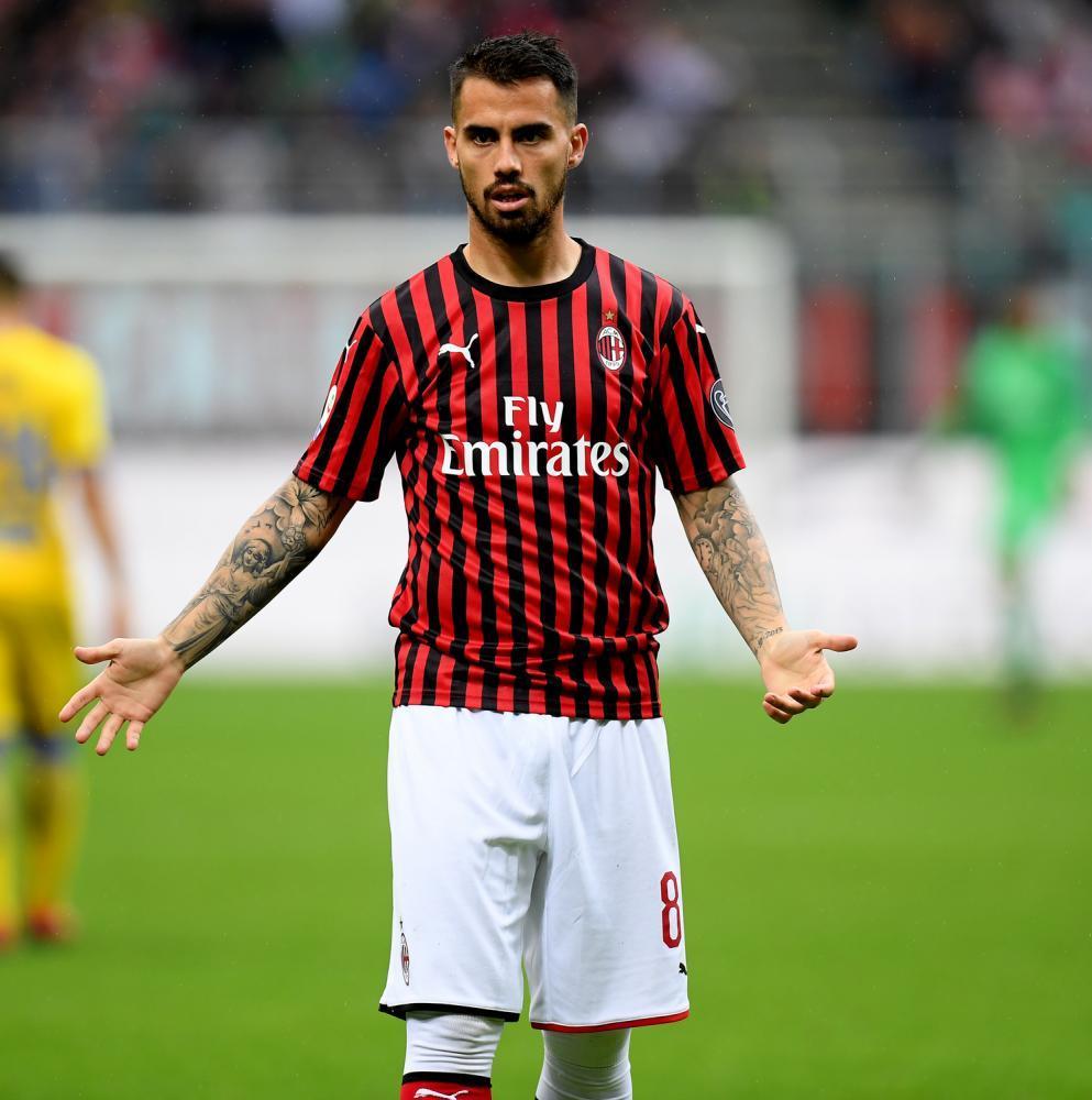 为了得到乌帕梅卡诺,AC米兰可能会将恰尔汉奥卢加入交易