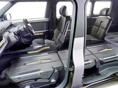 """丰田""""变种""""酷路泽上路,配上侧滑门,还是6座SUV"""