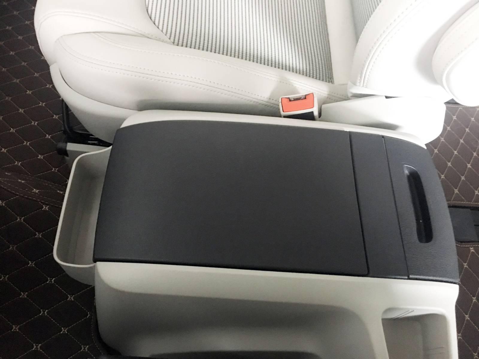 空间出色、座椅舒适,轴距比GL8长却便宜10万,来看上汽大通G10