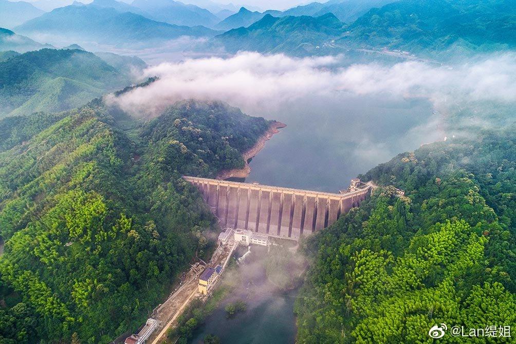 磨子潭水库位于安徽省霍山县,1956 年9月-1968 年水库全部工程完成