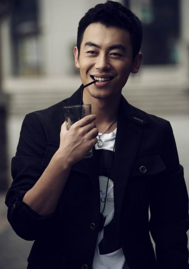 邓超鹿晗退出跑男原因曝光,陈赫因拍《爱情公寓5》离开?