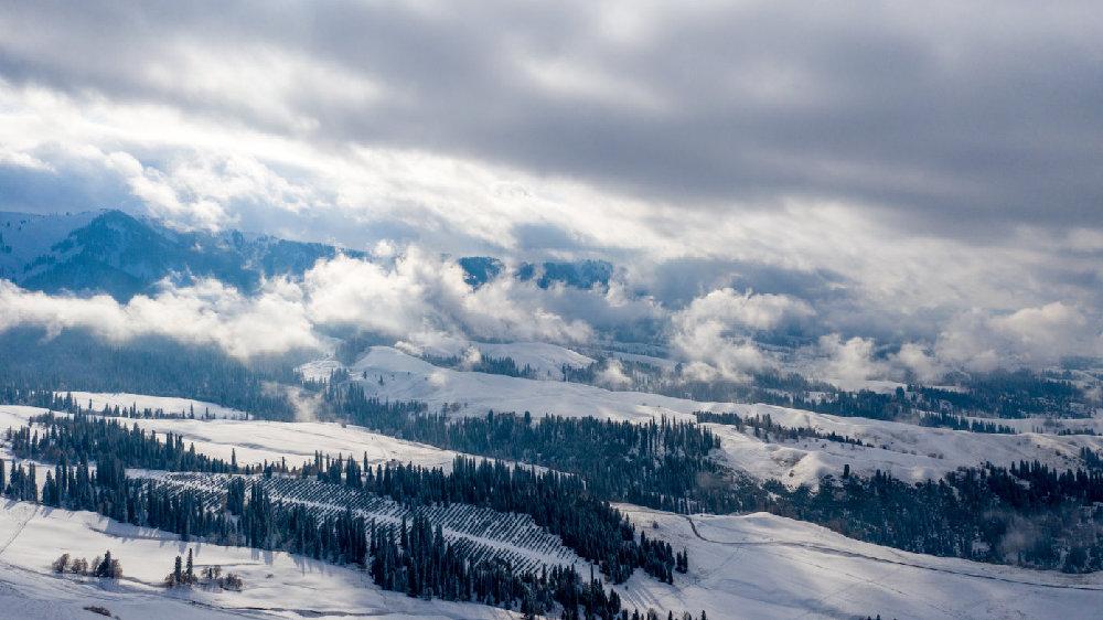 比东北还美的雪景,不在内蒙在新疆,日落星空轮番上阵