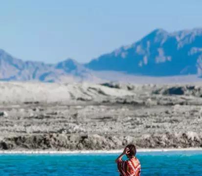 探访鲜为人知的秘境,青海大柴旦的翡翠湖