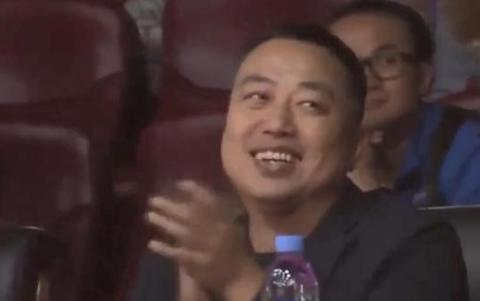 刘国梁在观看刘诗雯世界杯的比赛中鼓掌大笑,当时发生了什么?
