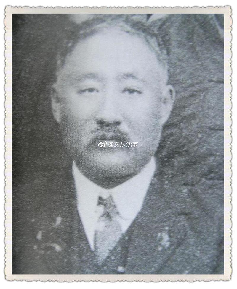 清华大学第1任校长是谁?一些资料上介绍是唐国安