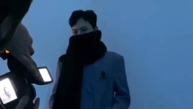 Ins:wkorea 更新  出席巴黎时装周We11done秀场相关视频