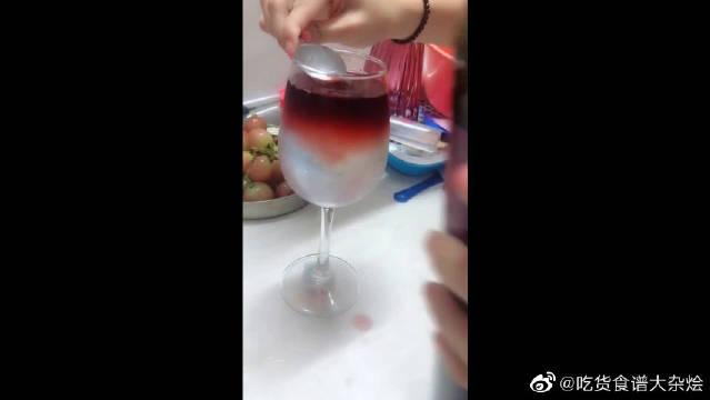 据说雪碧加红酒有另一个名字,单身的人不能喝,你知道为什么吗