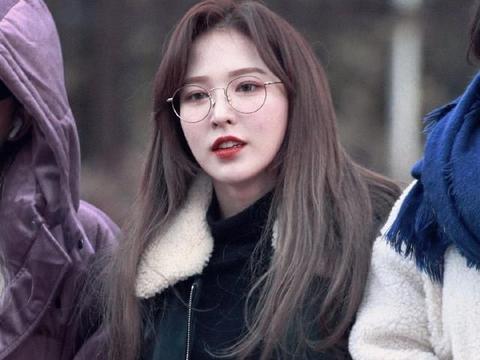 theqoo热议:Wendy剪短发前留过的绝美长发